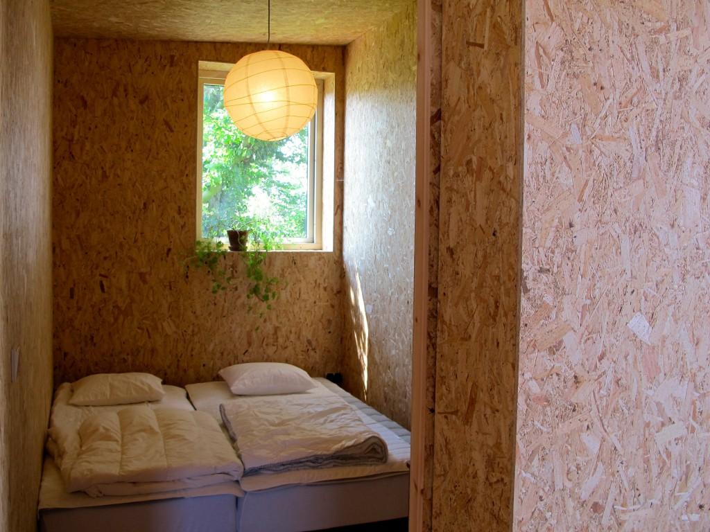 Det mindre av de två sovrummen, sängarna går att ställa ihop eller dra isär